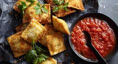 Home Made Doggy Foodstuff FAQ's And Ideas Crisp-Fried Cheese Ravioli Rice Recipes, Pasta Recipes, Vegetarian Recipes, Chicken Recipes, Dinner Recipes, Meals For Two, Main Meals, Cheese Ravioli Recipe, Rice Crisps