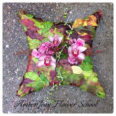 #bespokesympathy Flower Arrangements, Amber, Throw Pillows, Crafty, School, Floral, Flowers, Floral Arrangements, Toss Pillows