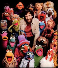 El hombre original Jim Henson with the help of The Muppets took over Charlie Chaplins old studio in Los Angeles.