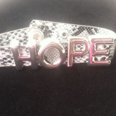 Sale $9💎Chinese Laundry Snap Bracelet 💎Hope snap bracelet with cream snake pattern. This is a really cute fashionable item. Reg. $13 Chinese Laundry Jewelry Bracelets