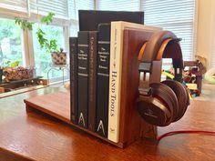 Made a simple desktop bookshelf and headphone stand : woodworking – Bookshelf Decor Woodworking As A Hobby, Woodworking Projects, Diy Headphone Stand, Desktop Bookshelf, Diy Headphones, Simple Bookshelf, Office Setup, Office Ideas, Old Tools