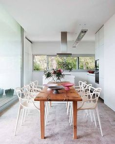 The Masters Chair is a tribute to modern furniture design. Designed by Philippe Starck and made by Kartell. Table And Chairs, Dining Chairs, Dining Table, Chaise Masters, Eiffel Chair, Sweet Home, Appartement Design, Living Spaces, Living Room