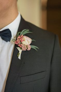 sweet buttonhole inspiration | Image by Frédéric Viallon