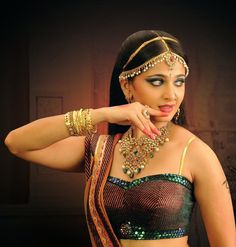Anushka Shetty Hot Photos Collection - Telugu Movies Gallery  Tollywood Actress Gallery   123photos.in
