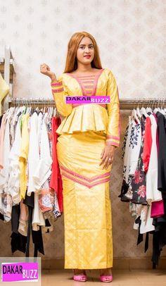 ( 23 PHOTOS ) Les dernières tendances de la mode KORITÉ 2018, Binta chics et Class pour vous donner un… – Dakarbuzz African Attire, African Fashion Dresses, African Wear, African Women, African Dress, Africa Fashion, Kuta, Couture, My Style