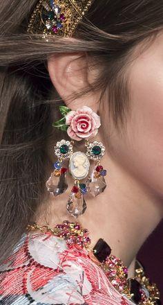 Dolce and Gabbana SS 2018 RTW