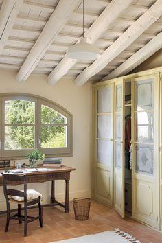〚 Wonderful transformation of old house in sunny Spain 〛 ◾ Photos ◾Ideas◾ Design Door Design Interior, Interior Decorating, Wooden Ceilings, Antique Doors, Antique Desk, Mediterranean Homes, Stone Houses, Beautiful Interiors, Decoration