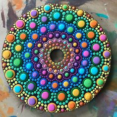 Dot Art Painting, Pebble Painting, Pebble Art, Mandala Art, Mandala Painting, Mandala Painted Rocks, Mandala Rocks, Cd Art, Easy Paintings