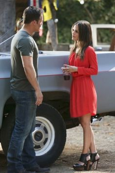 Zoe Hart's red dress and black/brown shoes on Hart of Dixie season 2.  Outfit Details: http://wornontv.net/5336/ #HartofDixie