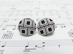 Hey, I found this really awesome Etsy listing at https://www.etsy.com/listing/226946437/black-and-white-stud-earrings-fabric