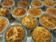"""Estas deliciosas cocadinhas de forno eu estava namorando há tempos, eu vi aqui no blog da Maísa, o """"Ondas de Sabores"""" . Um blog c..."""