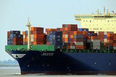 Frachtschiff kollidiert mit Fischerboot