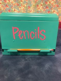 DIY with Spray Paint- Pencil Dispenser - Easy DIY's Using Only Spray Paint – Ordinary Royalty- Pencil Dispenser Best Picture For diy pr - Classroom Hacks, Classroom Setup, Classroom Design, Future Classroom, School Classroom, School Teacher, Classroom Organization, Diy Classroom Decorations, Diy Organization