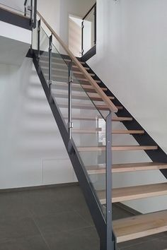 Stahl-Holz Treppe von TrepGo®                                                                                                                                                                                 Mehr