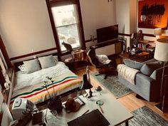 Studio Apartment Living, Small Apartment Interior, Studio Apartment Decorating, Apartment Layout, Apartment Design, Room Interior, Apartment Ideas, Studio Living, Small Room Design
