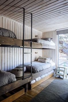 Estudio Valdés » Rodríguez Lakehouse Decor, Room, Home Bedroom, Cabin Interiors, Bedroom Design, Bed, Bunk Bed Rooms, Hostels Design, Bunk Bed Designs