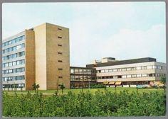 Het Sint Elisabeth Ziekenhuis (Ringweg Randenbroek 110), vanaf de Heiligenbergerbeek gezien.