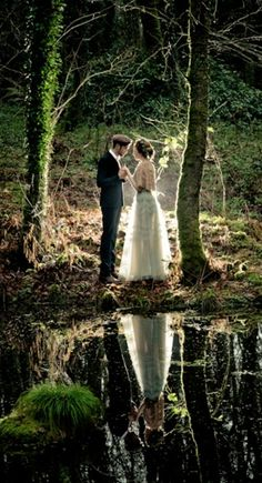Wedding photo shoot in the woods? Love it!