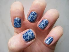 Get Marble Nails with Plastic Wrap: Mani Monday