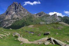 Le magnifique Pic du Midi d'Ossau http://www.tourisme.fr/2354/office-de-tourisme-laruns.htm Crédit : Nicolas Fernandez