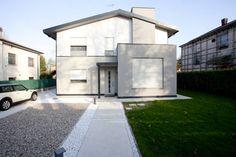 Una casa moderna alla portata di tutti. #architettura #progetticase  https://www.homify.it/librodelleidee/703778/una-casa-moderna-alla-portata-di-tutti