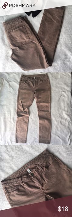 """Banana Republic Tan Skinny Leg Midrise Jeans Love the color of these! Warm tan, very neutral and wearable with everything. Midrise with 9"""" rise, 32"""" inseam. Excellent quality. These are not the super-Skinny-hug-your-leg-to-the-ankle kind of skinny jeans, they are tight down to the knee then give a little bit of room from knee to ankle. There is a spot on the left thigh that looks slightly lighter to me- see photo- very hard to see, not sure if this was intentional or natural variation in the…"""
