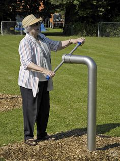 We have developed the equipment from the area of evolutionary pedagogy and seniors especially for the needs of children with special abilities and older people. Outdoor Gym Equipment, No Equipment Workout, Good Samaritan Society, Craftsman Style Interiors, Backyard Gym, Playground Design, Parking Design, Get In Shape, People