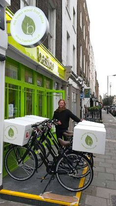 Electric bike pizza delivery fleet in London! By Justebikes http://justebikes.co.uk/