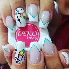 Deko plumas. Ven a nuestro spa en Medellín, centro comercial plazuelas de San Diego, local 164. Tel 2329200 Whatsapp 3053376101. Deko por Astrid. #dekouñas #dekounas #uñas #decoracionuñas #diseñouñas #diseñouñas #nails #nailart #nails