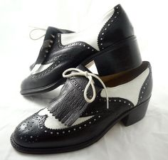 Vintage ladies spectator golf shoes cute-and-quirky