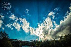 Um por do sol para animar a noite...  #leandromarinofotografia #bestoftheday #picoftheday #photooftheday #fotododia #colors #lightslover #sunset #sunsetscape #sunsetmountain #clouds #nuvens #pordosol #MinhaVidaEhAndarPorEssePais #curitiba - http://ift.tt/1HQJd81