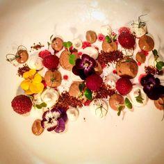 Top sweetTop sweet  ______________________________________________ #chefstalk #food #foodie #foodporn #theartofplating #gastroart #chefsroll #foodphotography #foodart #chef #beautifulcuisines #instafood #gastronomy #foodstarz #foodgasm #pastry #truecooks #chefsofinstagram #cheflife #chocolate #gastronomia #pastrychef #cooking #jalalsalem #yummy #feedfeed #foodstagram #foodblog#dessert#GourmetArtistry by jalalsalem2305