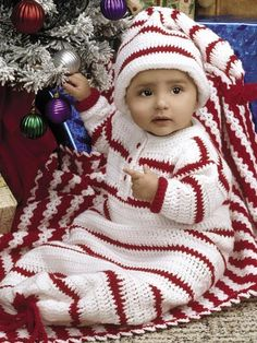 Red & White Layette ~ baby shower gift, newborn gift - your choice ~ sleeper 6 mos, 12 mos, and 18 mos; blanket x ~ BEGINNER level ~ CROCHET Christmas Crochet Patterns, Holiday Crochet, Christmas Knitting, Baby Afghan Crochet, Baby Afghans, Baby Blankets, Layette Pattern, Crochet Cocoon, Baby Cocoon