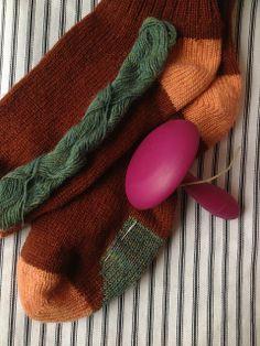 scrapiana | an introduction to Swiss darning mending