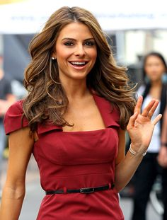Maria Menounos- LOVE her hair and dress!