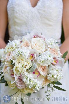 #laurelwooddesigns #bouquet #gardenstylebouquet #wedding #bride #weddingwire #theknot #njbride #201bride #njflorist