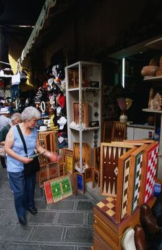 <p>This traditional market has a festive atmosphere, combined with an onslaught of more modern souvenir stalls. Permanent antique and collectables...