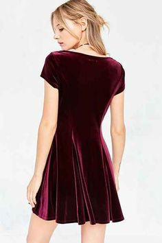Kimchi Blue Velvet Sweetheart Mini Dress - Urban Outfitters I WANT IT SOOO BAD