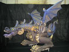 """Construcción de dragón en porex, poliurea, madera y aluminio, para """"colla de diables de San Pau D'Ordal"""". www.eliasalvarez.com"""