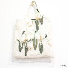 matsuyukisou no bag (マツユキソウ ノ バッグ) Snowdrop felt applique and embroidery mini b...|ハンドメイド、手作り、手仕事品の通販・販売・購入ならCreema。