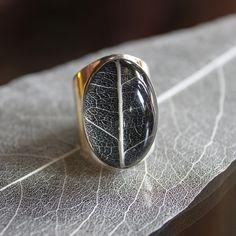 Pantheia Leaf of Change Ring