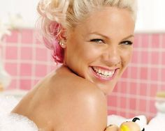 Singer - Pink
