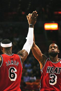 LeBron James and Dwyane Wade.some of the coolest basketball players Lebron James Lakers, Lebron James Dwyane Wade, Lebron And Wade, Lebron James Miami Heat, King Lebron James, King James, Miami Heat Basketball, Basketball Legends, Love And Basketball