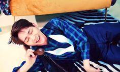 Screencap of Onew on '셀 수 없는 (Countless)' MV Shinee Onew, Lee Jinki, Songs, Women, Tofu, Wall, Artist, Blue, Tecnologia
