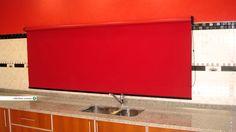 Roller Blackout en color rojo. Preciosas cortinas. https://www.facebook.com/rollerhauscortinas Asesoramiento y presupuestos en rollerhauscortinas@outlook.com