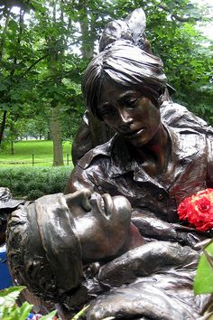 Washington DC: Vietnam Veteran's Memorial - Vietnam Women's Memorial by wallyg, via Flickr