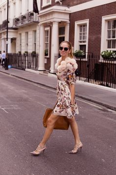 Moschino Cheap and Chic dress The Blonde Salad, Moschino, Pink Silk Dress, Chic Dress, Urban Fashion, Womens Fashion, Types Of Fashion Styles, Everyday Fashion, Celebrity Style