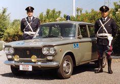 Alfa Romeo, Italian Police, Hobby Cars, Cops And Robbers, Fiat Cars, Police Uniforms, Subaru Legacy, Fiat 500, Lamborghini Huracan