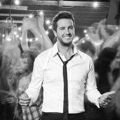 Luke Bryan being one of the cutest country singers EVER! ❤️❤️❤️