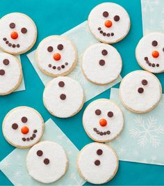 How To Make Easy Snowman Cookies Online | JOANN Christmas Wreath Cookies, Snowman Cookies, Snowflake Cookies, Xmas Cookies, Roll Out Cookie Dough Recipe, Cookie Dough Recipes, Cute Christmas Desserts, Holiday Treats, Christmas Baking